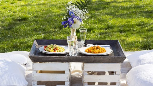 Romantic Picnic in rome, is it a good idea for a first date?